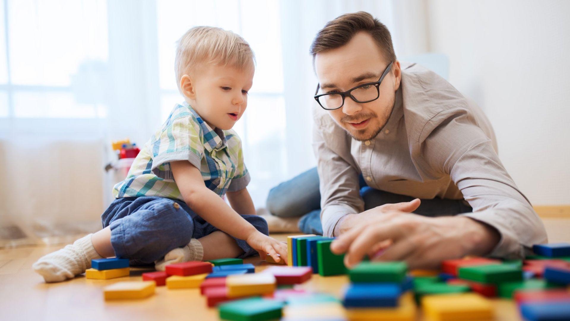 Педиатри призоваха родителите да не подаряват на малките деца дигитални игри