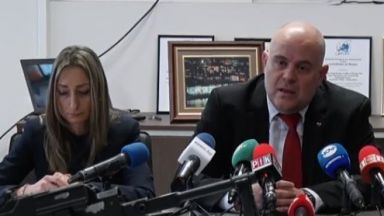 """ГДБОП разби канал, изнасял оръжие от завод """"Арсенал"""" в Казанлък (обновена)"""