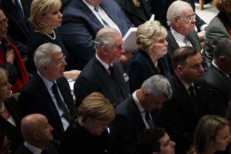 Принц Чарлз и Ангела Меркел не пропуснаха церемонията