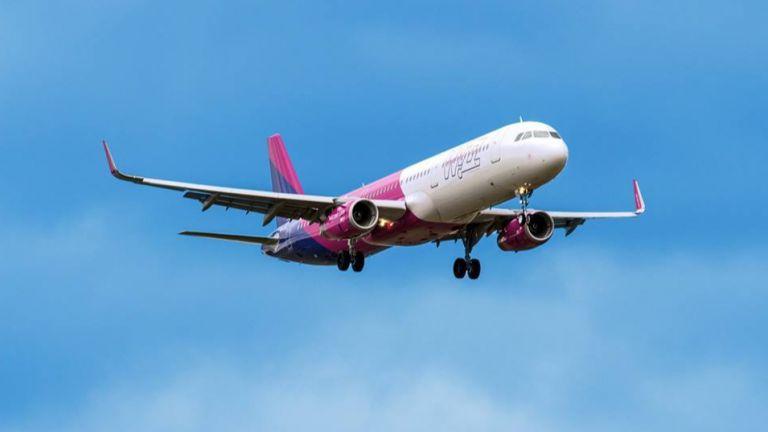 УизЕър (Wizz Air) откри първата си база в Бургас и