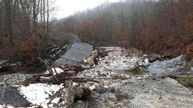 Оградата с Турция отново падна (снимки)