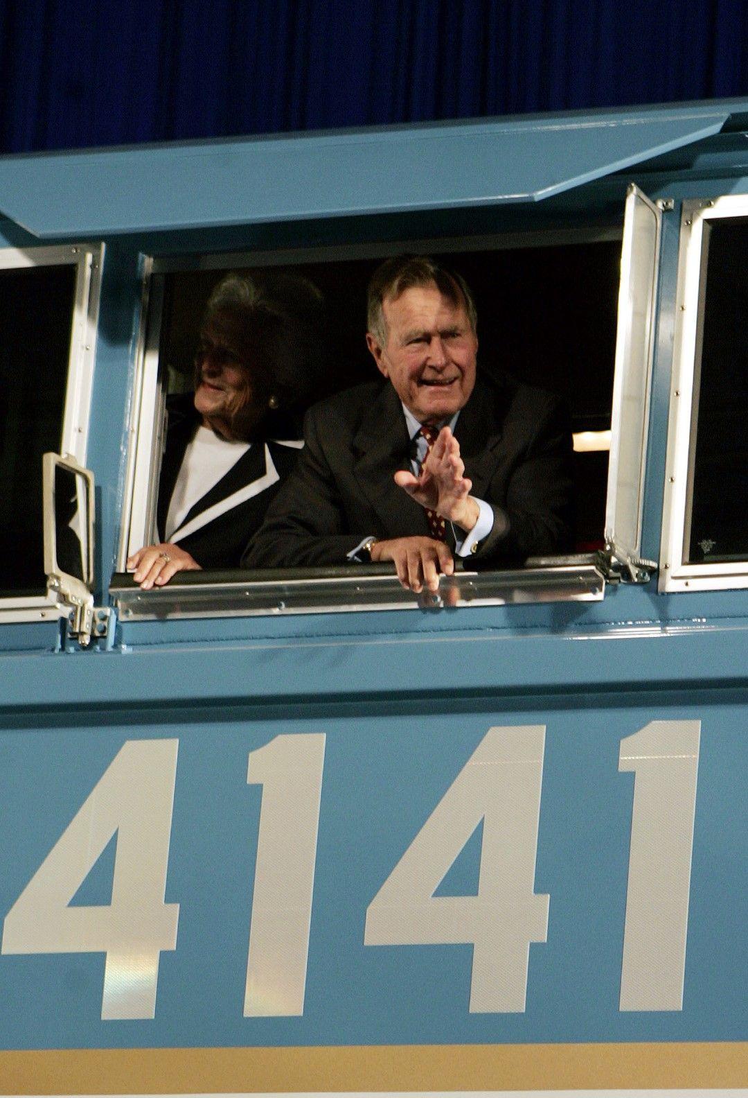 Джордж и Барбара Буш на снимка от 2005 г.
