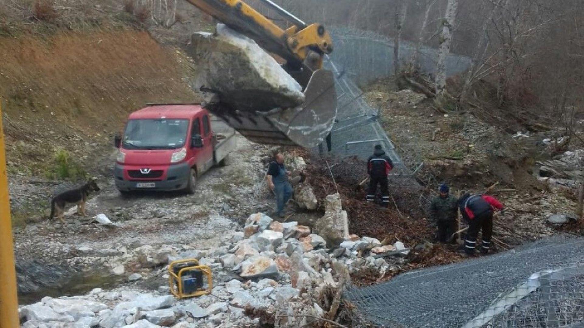 ГЕРБ за падналата ограда: С природата не можем да се борим