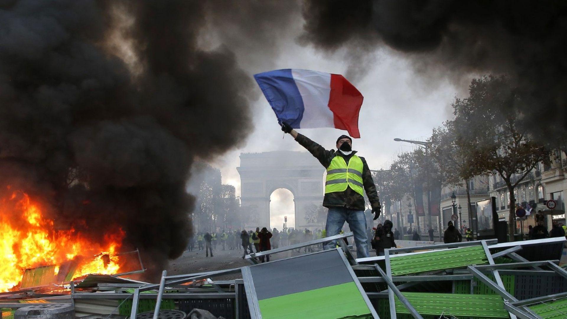 """""""Не се забърквай с тълпата"""": Това е историческият урок за френските крале и президенти"""