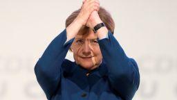 След 18 г. начело на ХДС Меркел се сбогува: За мен беше голяма радост и чест!