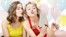 Жените оставали самотни заради сайтовете за запознанства