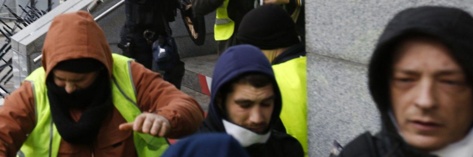Битка за Европaрламента в Брюксел: Жълти жилетки опитаха да нахлуят