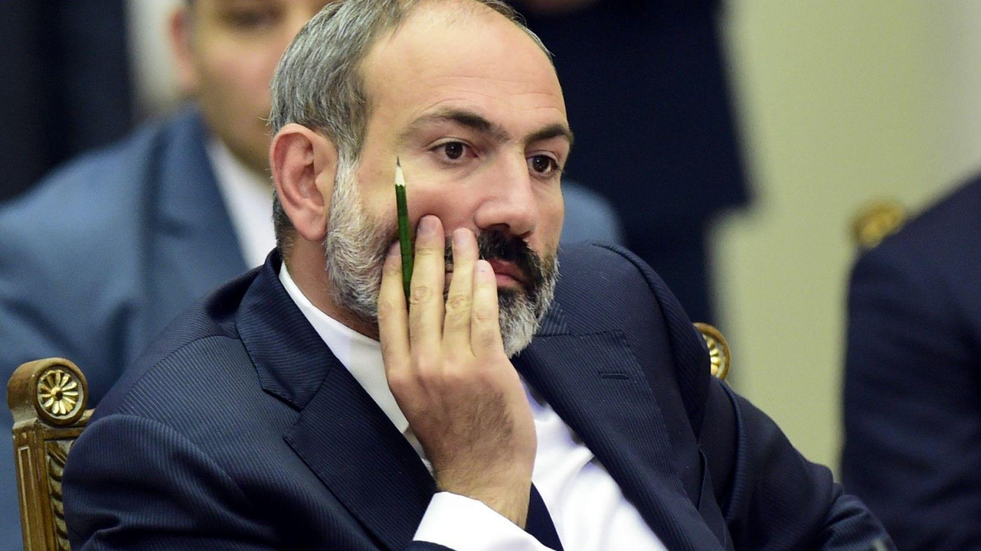 Пашинян призова арменците да блокират съдилищата, заради политически пристрастните съдии