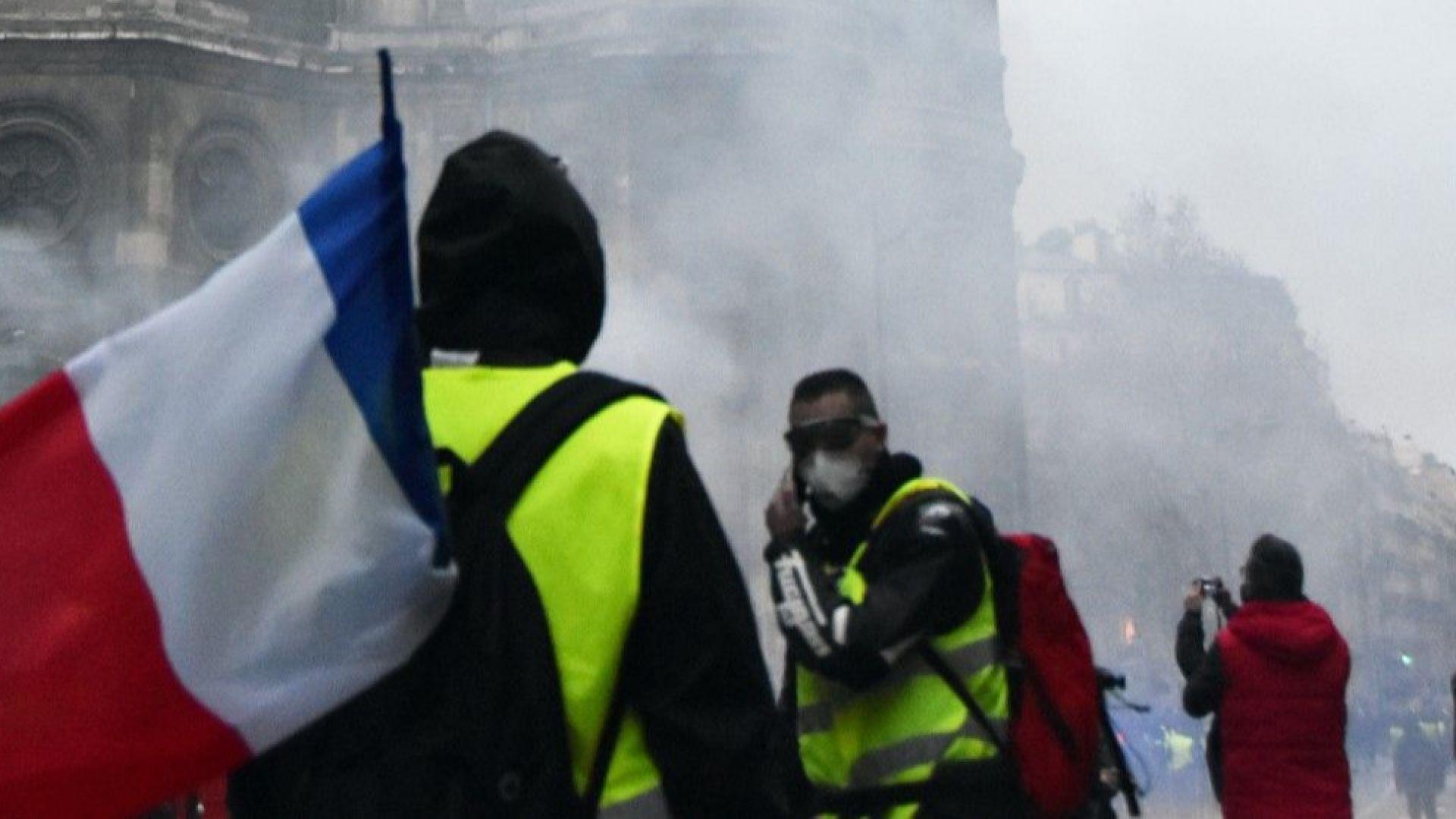 Франция очаква нови мерки от Макрон за излизане от кризата