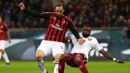 Милан колебливо пристъпи в топ 4, но изпусна голям шанс