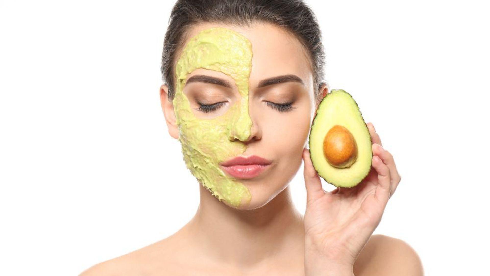 Маска от авокадо за сияйна кожа през зимата