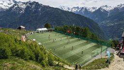 Най-удивителните места за футбол - от гара Бов до Гренландия (галерия)