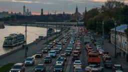 Споделянето на автомобили стана хит в Москва заради малко паркоместа и високи такси