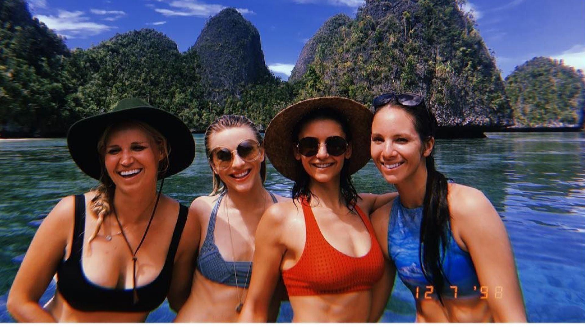Нина Добрев на почивка в Индонезия (снимки)