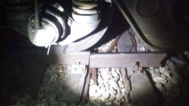 Счупени релси са довели до дерайлирането на влака София-Варна