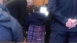 Миню Стайков с инвалидна количка в съда, отслабнал 10 кг