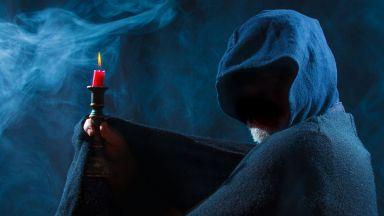 """""""Магьосници"""" измъкнаха десетки хиляди от """"жертва"""" на черна прокоба"""