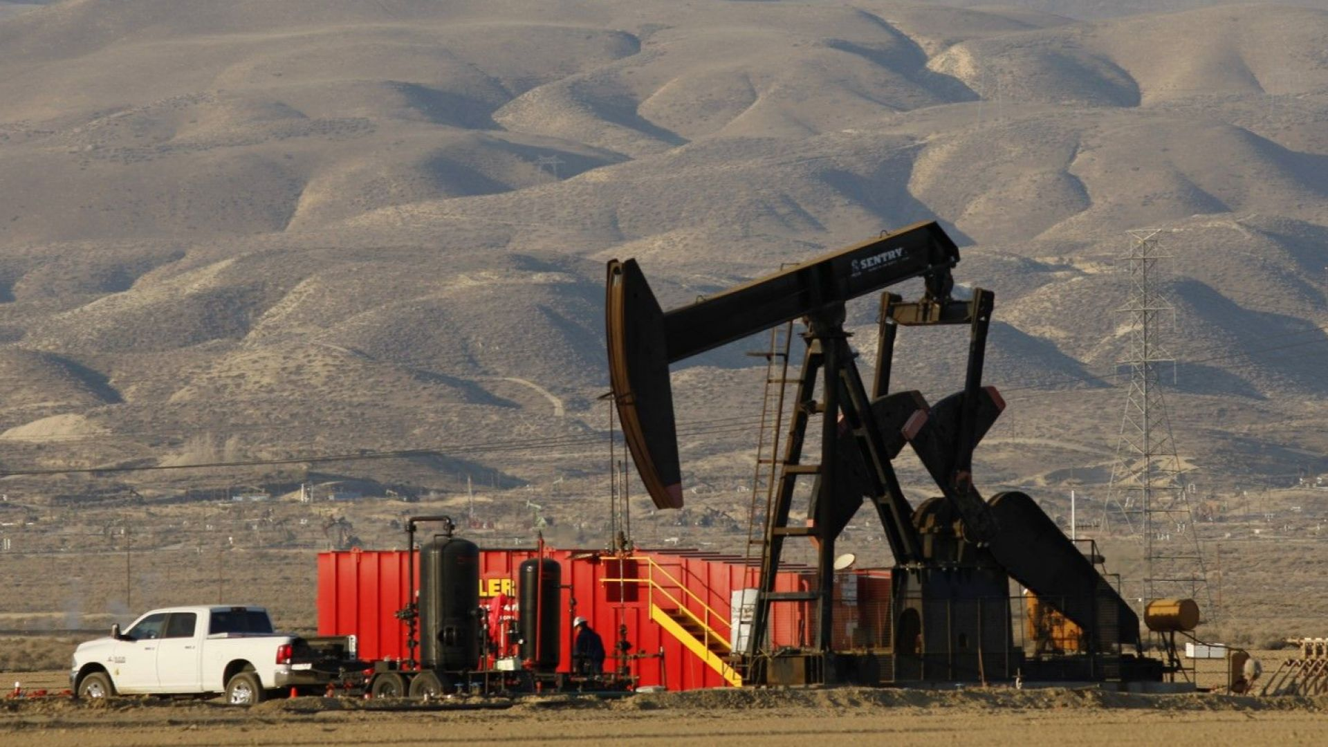 Цената на нефта падна до 50 долара за барел