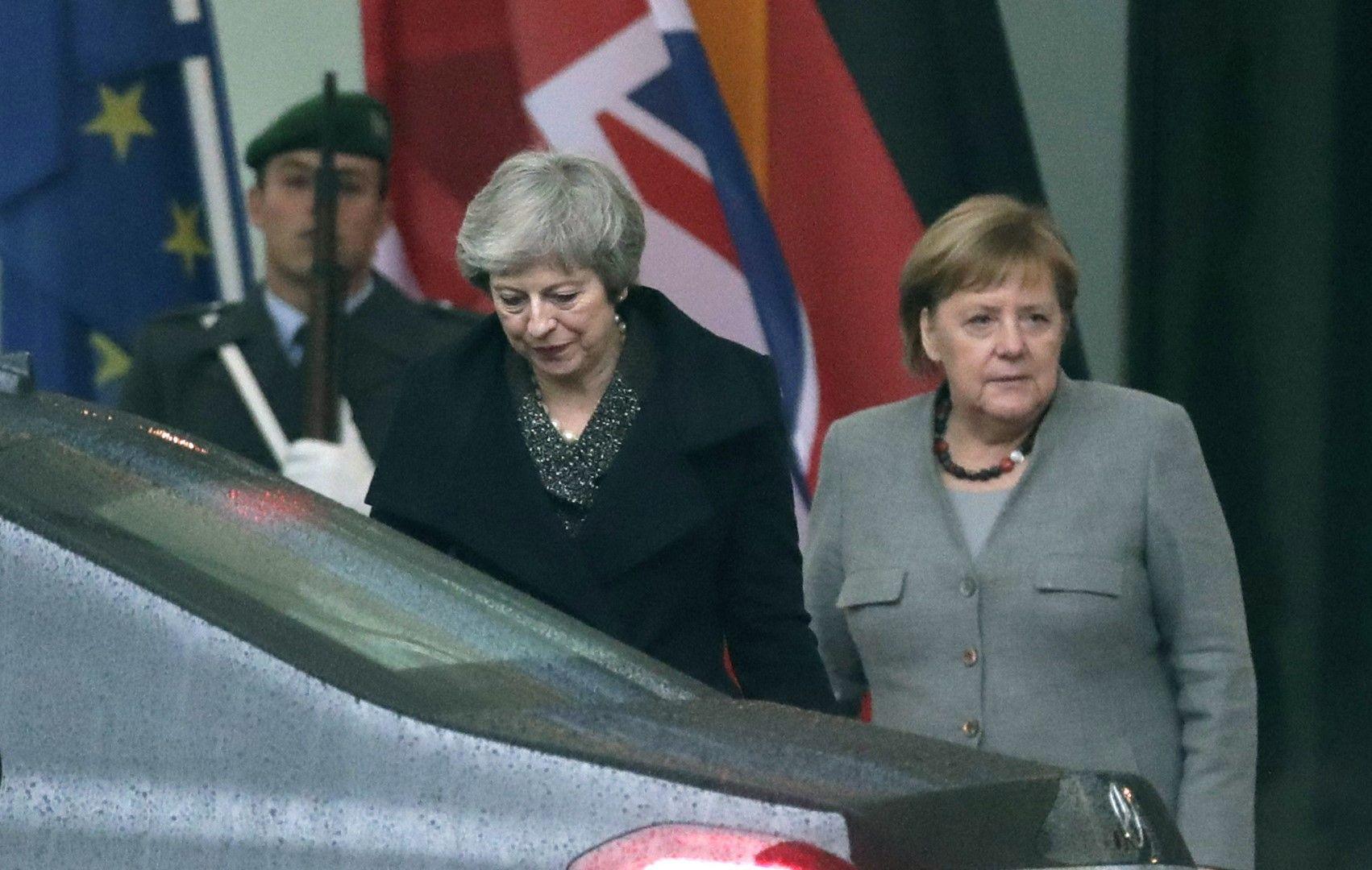 Меркел е заявила на Мей, че такива въпроси не се обсъждат на двустранно равнище, а от целия ЕС