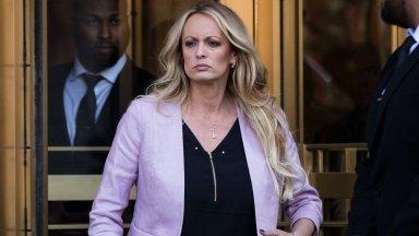 Съдия нареди на порнозвезда да плати на Тръмп $290 000 адвокатски хонорари