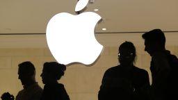 Епъл отчете рекордна печалба от 22.2 млрд. долара