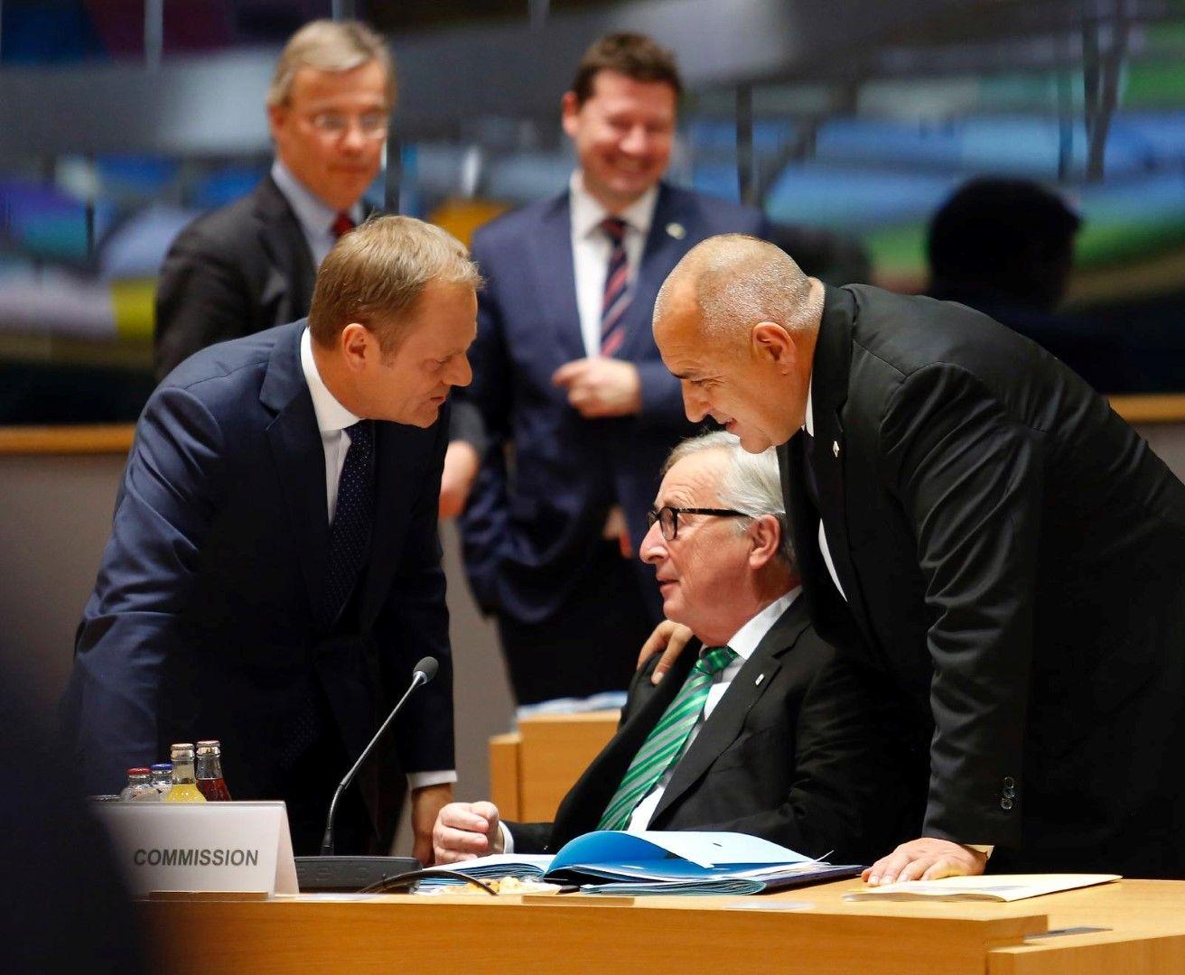Доналд Туск, Жан-Клод Юнкер и Бойко Борисов на заседание на Европейския съвет (архив)
