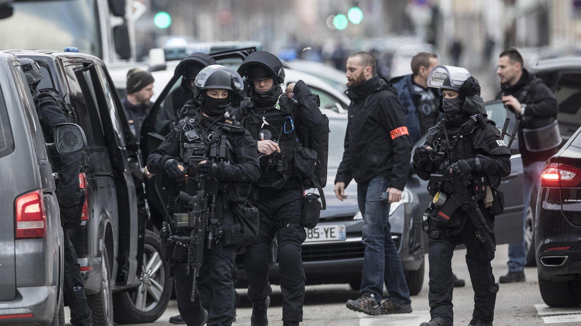 Спецчасти блокираха квартал, където може да се крие Шериф Шекат
