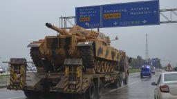 Турската армия е готова да навлезе в Сирия