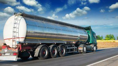 Индийската Nayara Energy спря вноса на петрол от Иран