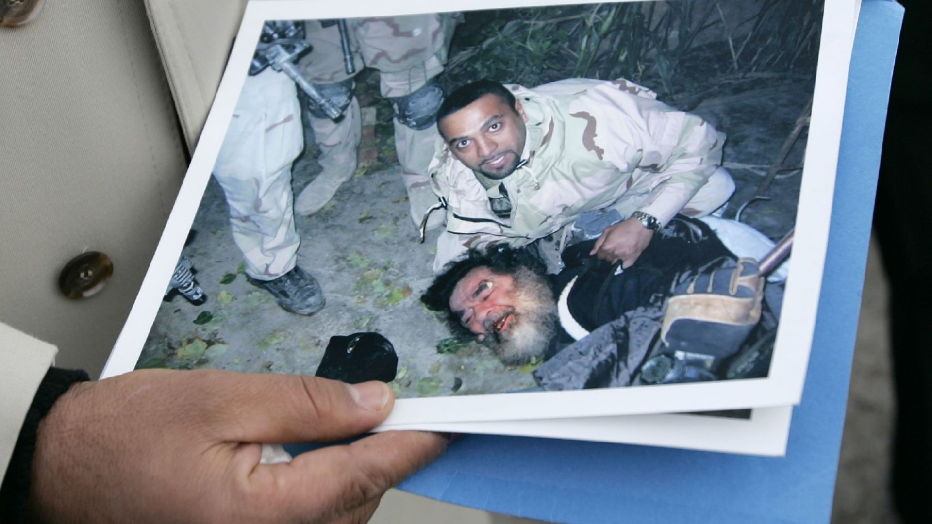 Преди 15 години арестуваха укриващия се Саддам Хюсеин