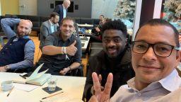 Стилиян Петров напредва към дипломиране в специална програма на УЕФА