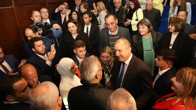 Йорданка на срещата с Радев:  Езикът на любовта е българският
