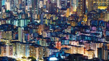 """Хонконгски Робин Худ направи """"дъжд от пари"""" (видео)"""