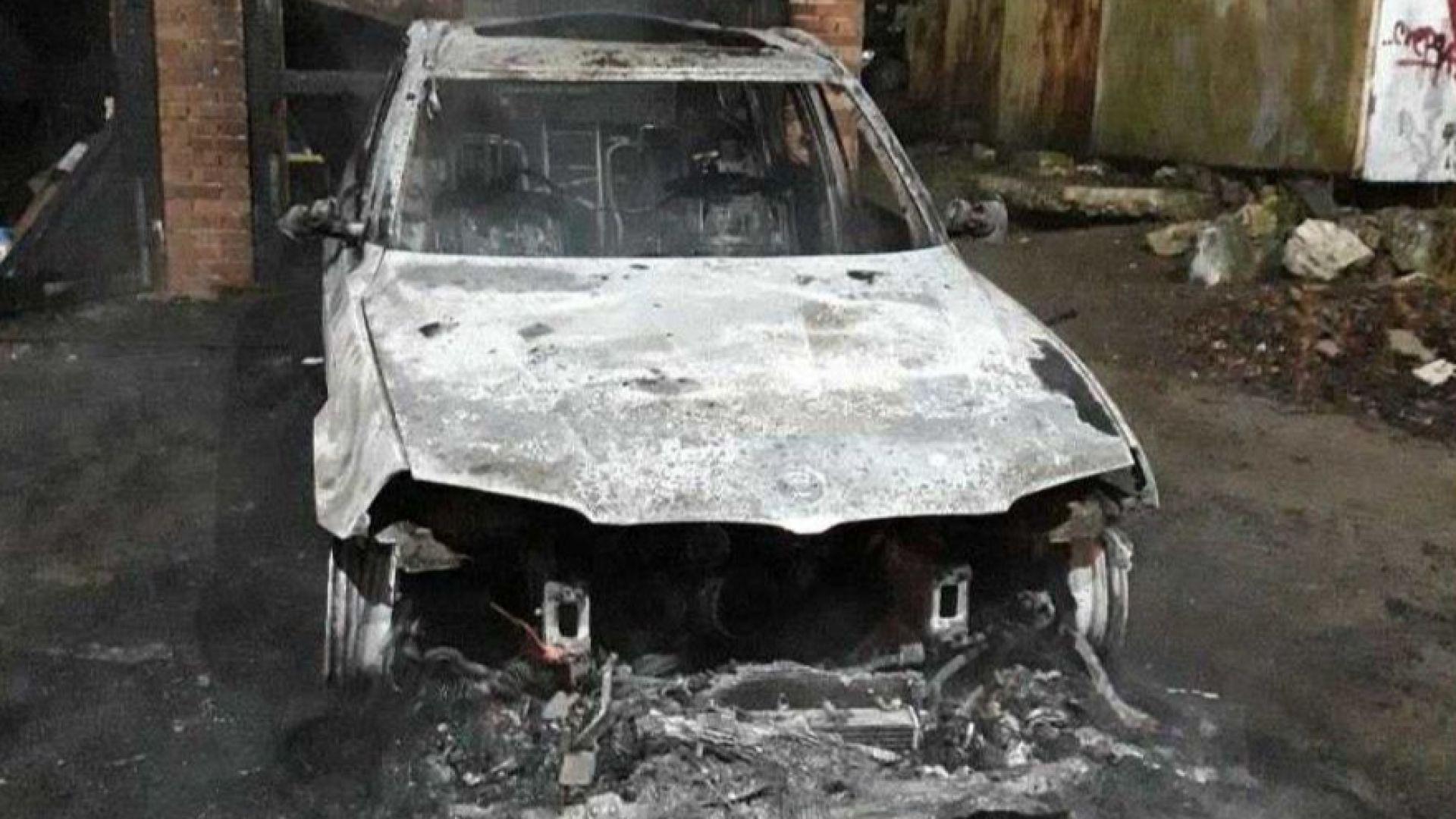 Два автомобила бяха подпалени тази нощ в Добрич, съобщи Нова