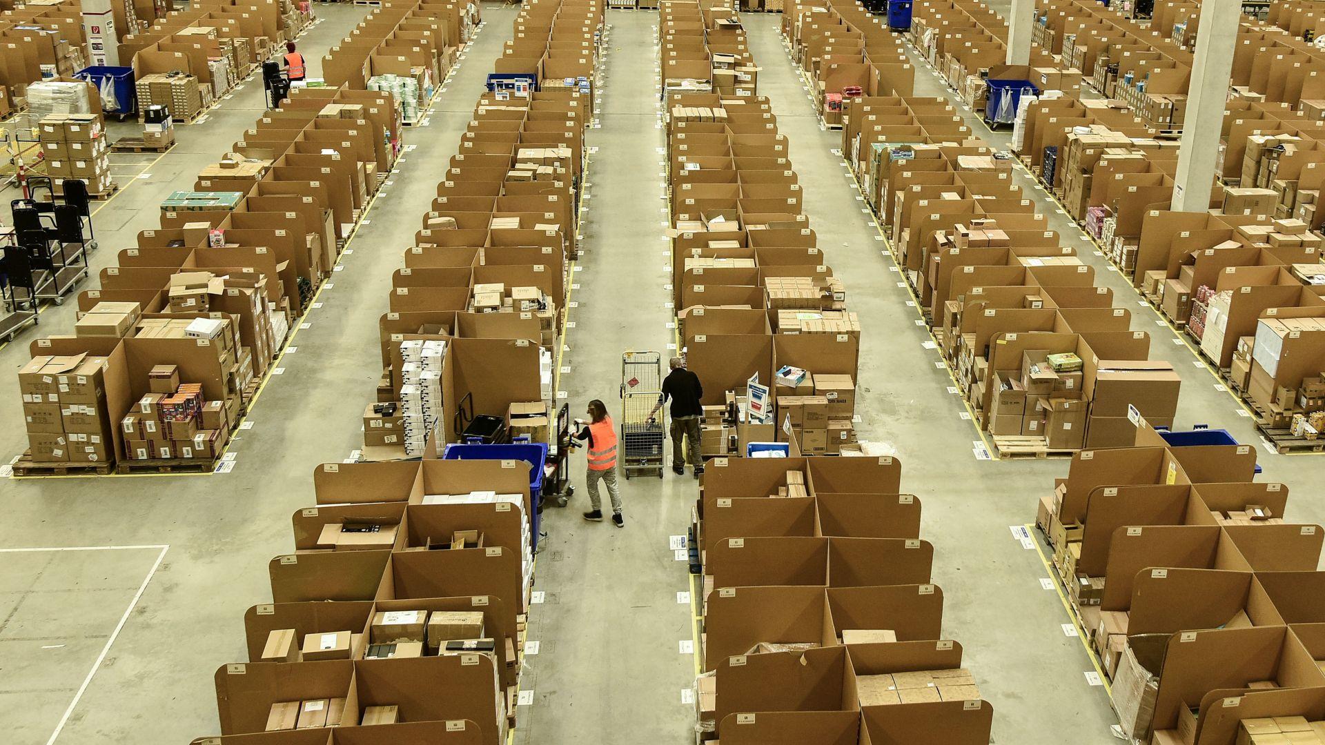 """""""Амазон"""" в Германия стачкува: Ще стигнат ли поръчките за Коледа?"""