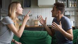 Проблемите с роднини са по-опасни от бурна любовна връзка