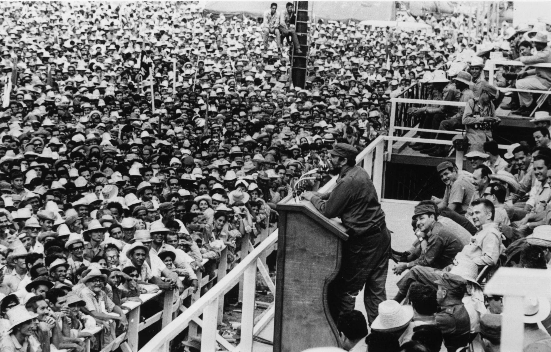 Кастро изнася реч на 1 януари 1965 г.