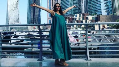 Бременната Кобилкина на почивка в Дубай