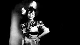 Царицата на оперетата Мими Балканска е лице на пощенска картичка