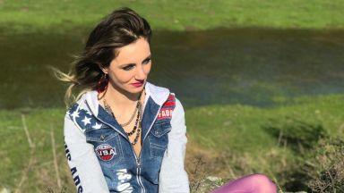 Румънската певица Анка Поп (34) загина, след като колата ѝ падна в Дунав