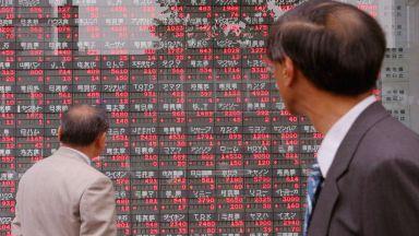 Най-богатите в Япония стават още по-богати заради абеномиката