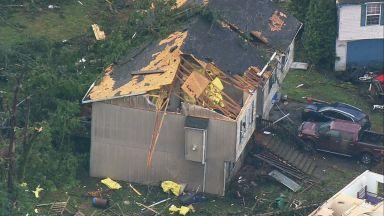 Силни бури и мощно торнадо в Сиатъл и Орегон (снимки, видео)