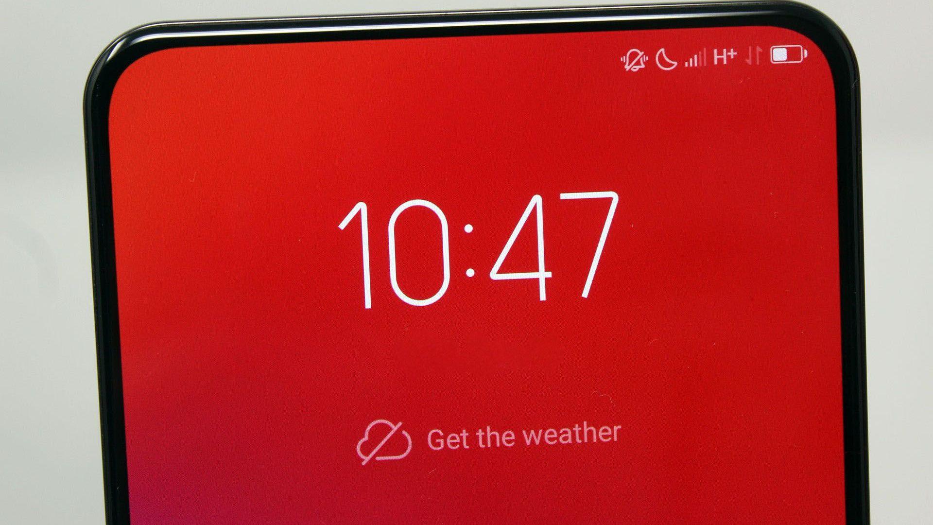 Lenovo представи първия в света смартфон с 12 GB RAM памет