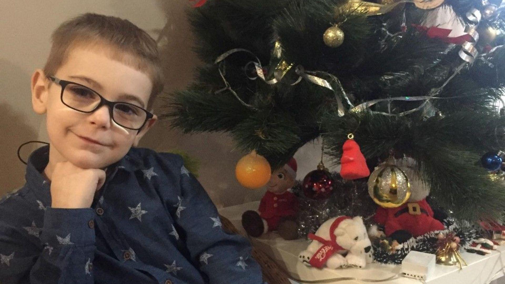 За трета поредна година слънчевият Николай участва в Българската Коледа.