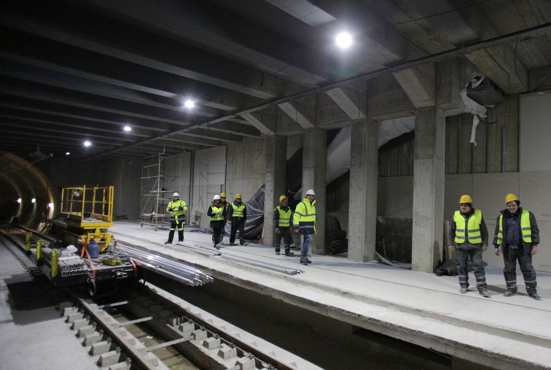 """Провериха строителството на новите станции - """"България"""" и """"Красно село"""""""