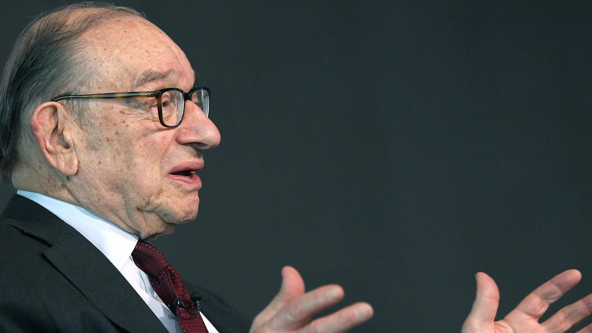 Алън Грийнспан към инвеститорите: Спасявайте се с бягство
