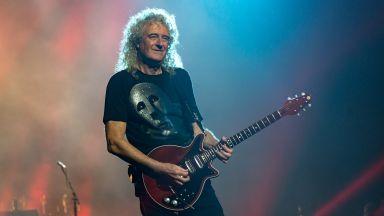 """Китаристът на """"Куин"""" издава песен в чест на НАСА и сондата """"Нови хоризонти"""""""