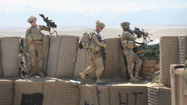 Тръмп изтегля САЩ и от Афганистан, военният министър подаде оставка