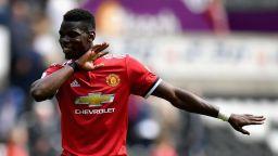 Шефове на Туитър и Юнайтед на среща след вълната от расизъм срещу Погба