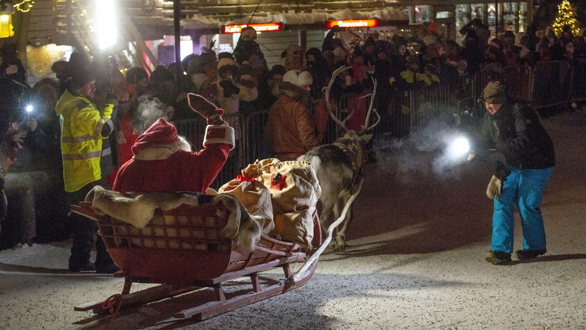 Дядо Коледа потегли от Лапландия да разнася подаръци по света